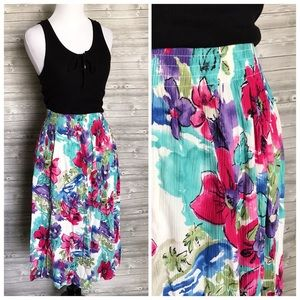 4 for $25 floral vintage midi skirt with pockets